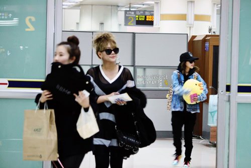 120306_CL__Gimpo_Airport_Back_from_Japan_2.jpg